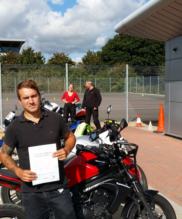 Kian passed today, unfortunately also going  holiday so his Virago  will have to wait for few more days in the garage